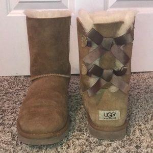 UGG AUSTRALIA Boots Bailey Bow | Size: USA 8,EU 39